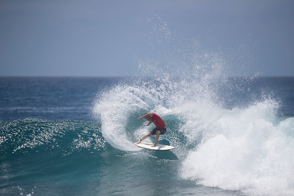 c3459d964ca3c2 Burrow Off to a Flying Start on Day One of the Four Seasons Maldives  Surfing Champions Trophy