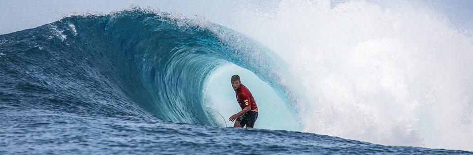 Josh Kerr wins 2018 Surfing Champions Trophy