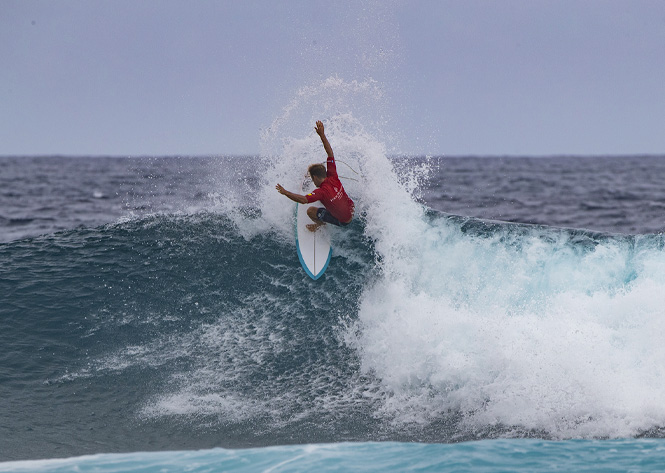 Josh Kerr Wins Single-fin Division At Four Seasons Maldives Surfing Champions Trophy